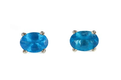 Lot 845 - A PAIR OF NEON APATITE STUD EARRINGS