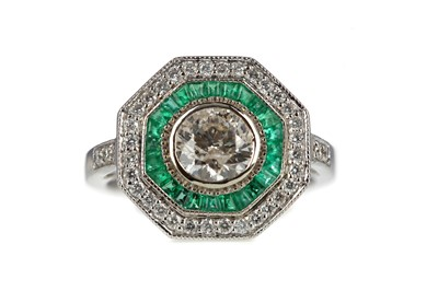 Lot 880 - A CERTIFICATED EMERALD AND DIAMOND RING