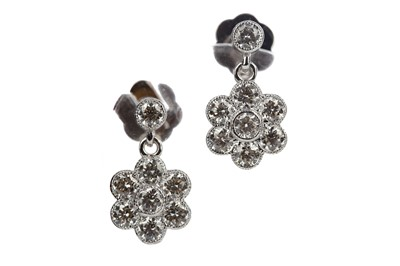 Lot 882 - A PAIR OF DAISY CLUSTER DROP EARRINGS