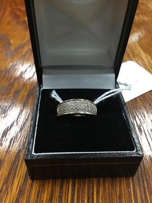 Lot 65A - A DIAMOND RING