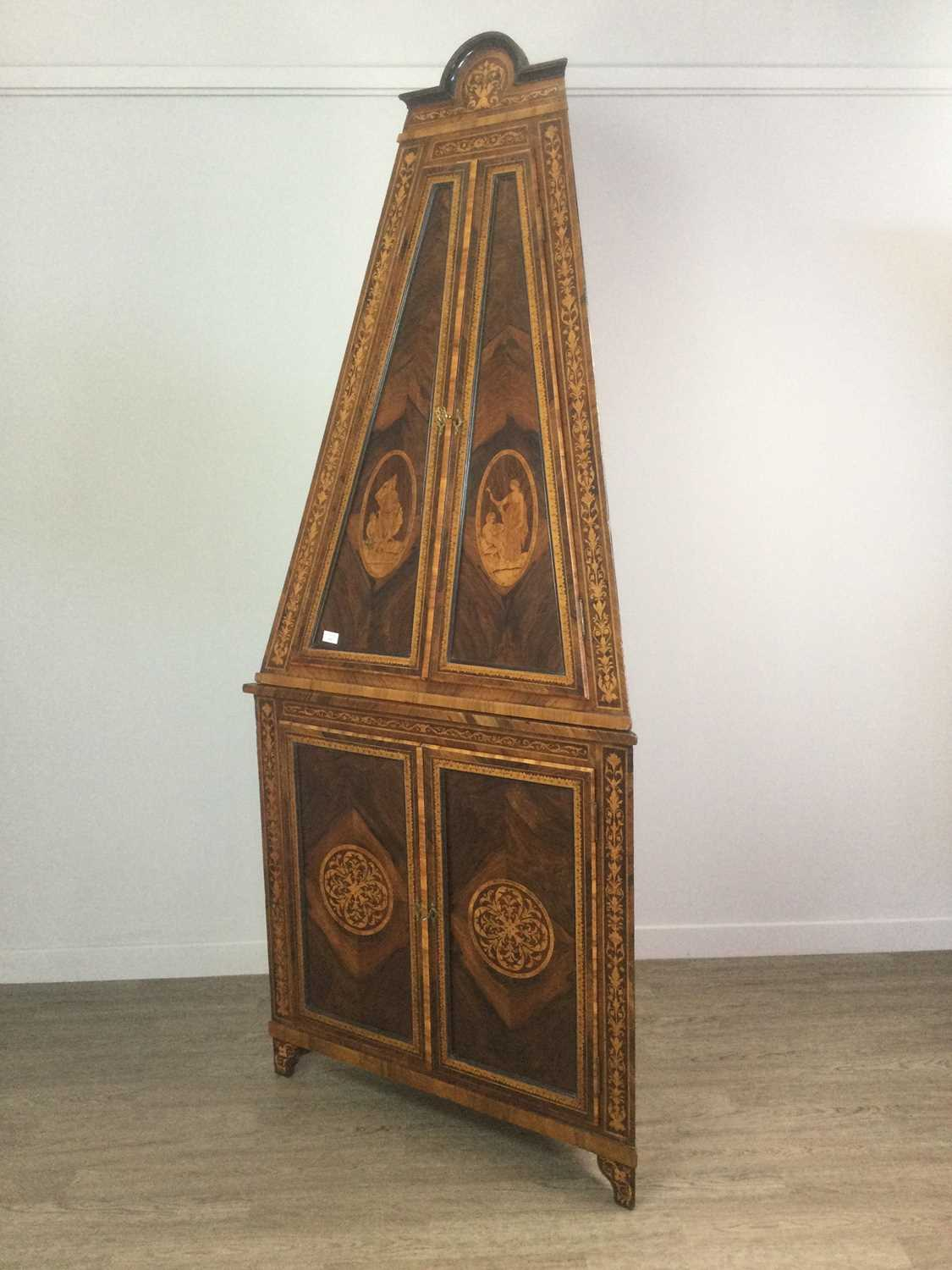 Lot 1424 - A 19TH CENTURY ITALIAN ROSEWOOD AND MARQUETRY TWO STAGE CORNER CABNET