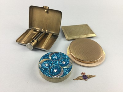 Lot 86 - A COLLECTION OF FOUR COMPACTS