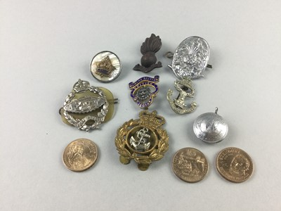 Lot 92 - A GORDON HIGHLANDERS WHITE METAL BADGE AND OTHER BADGES