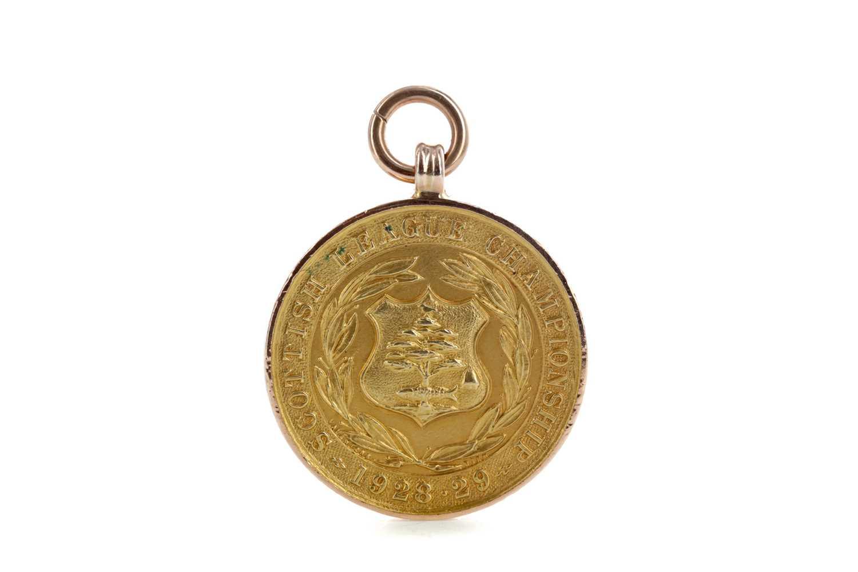 Lot 1819 - ROBERT IRELAND OF RANGERS F.C. - SCOTTISH FOOTBALL LEAGUE CHAMPIONSHIP GOLD MEDAL 1928/29