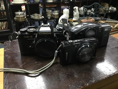 Lot 51 - A COLLECTION OF CAMERAS AND ACCESSORIES