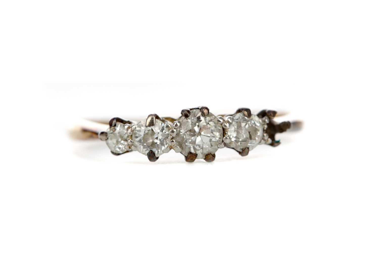 Lot 324 - A PARTIAL DIAMOND RING