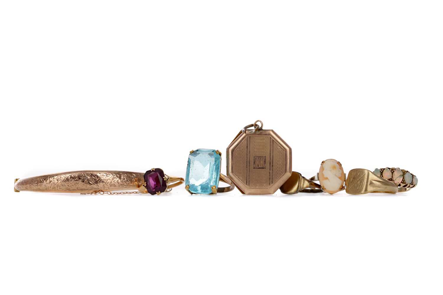 Lot 325 - A COLLECTION OF GOLD AND OTHER JEWELLERY