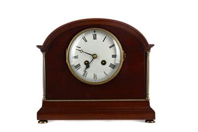 Lot 1159 - AN EDWARDIAN MAHOGANY MANTEL CLOCK