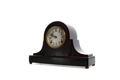 Lot 1155 - AN EARLY 20TH CENTURY MAHOGANY MANTEL CLOCK