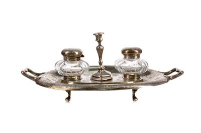 Lot 479 - A VICTORIAN SILVER DOUBLE INK STAND