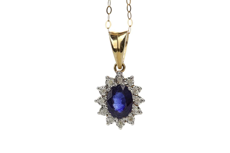 Lot 336 - A SAPPHIRE AND DIAMOND PENDANT