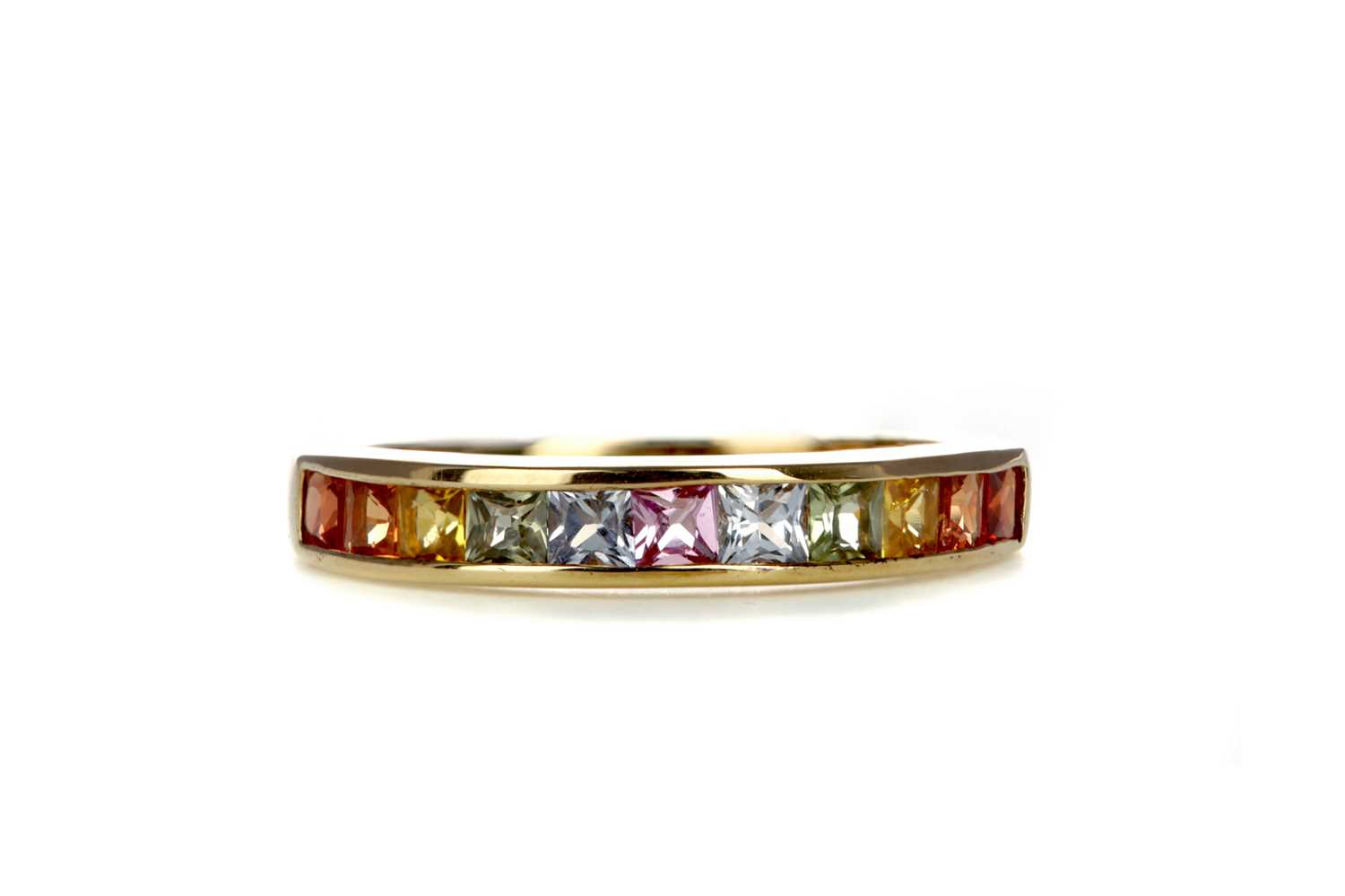 Lot 386 - A MULITCOLOURED SAPPHIRE RING