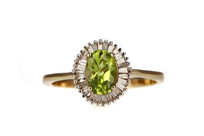 Lot 414 - A PERIDOT AND DIAMOND RING