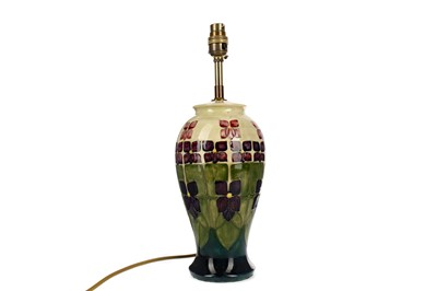 Lot 1056 - A CONTEMPORARY MOORCROFT TABLE LAMP