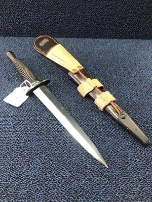 Lot 7 - A COMMANDO STYLE KNIFE