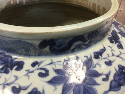 Lot 1695 - A 19TH CENTURY CHINESE BLUE AND WHITE STONEWARE VASE