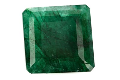 Lot 429 - **A CERTIFICATED UNMOUNTED EMERALD