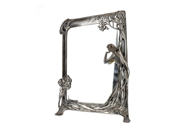 Lot 1626 - AN EARLY 20TH CENTURY ART NOUVEAU SILVER PLATED DRESSING MIRROR