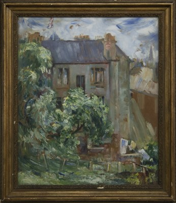 Lot 36 - THE BACK COURT, GLASGOW, AN OIL BY MARGARET DICKSON