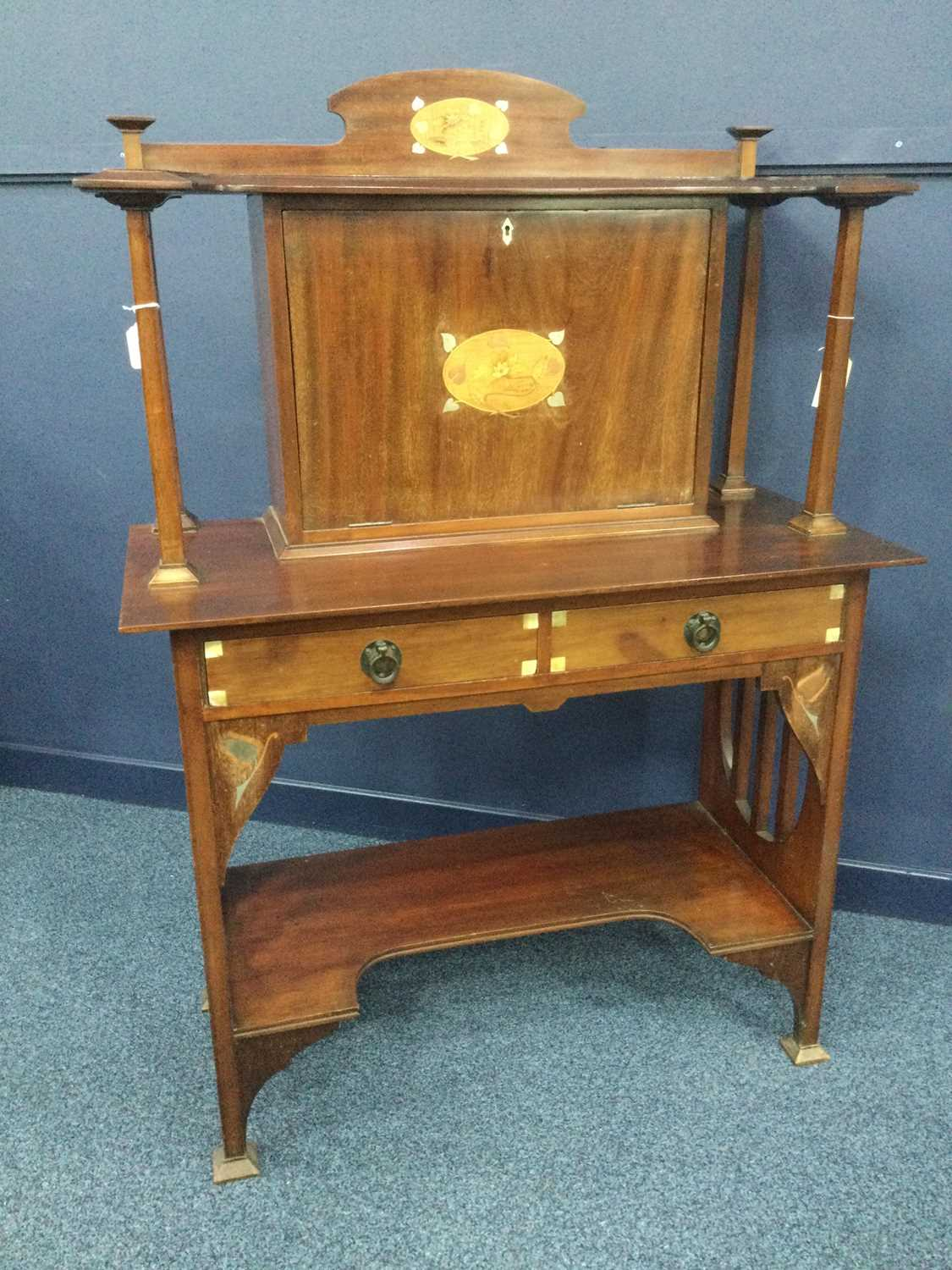 Lot 1351 - AN EARLY 20TH CENTURY ARTS & CRAFTS MAHOGANY SECRETAIRE ATTRIBUTED TO GEORGE WALTON