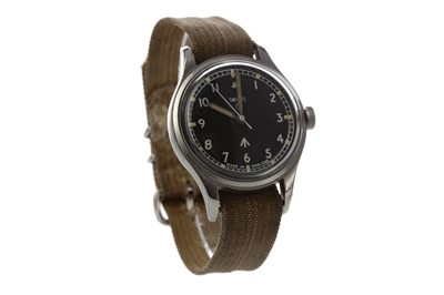 Lot 729 - A GENTLEMAN'S SMITHS MILITARY STAINLESS STEEL MANUAL WIND WRIST WATCH