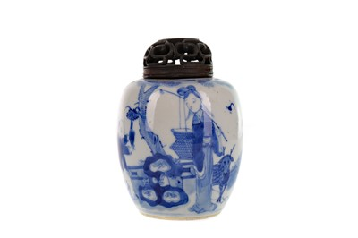 Lot 884 - AN EARLY 20TH CENTURY CHINESE BLUE AND WHITE VASE