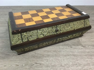 Lot 1646 - A 20TH CENTURY MEXICAN CHESS SET