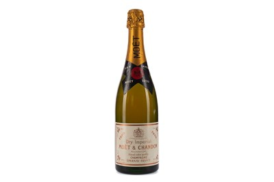 Lot 5 - MOET & CHANDON DRY IMPERIAL 1970