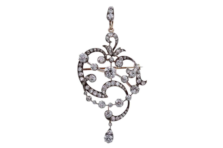 Lot 1316 - A BEAUTIFUL EDWARDIAN DIAMOND PENDANT