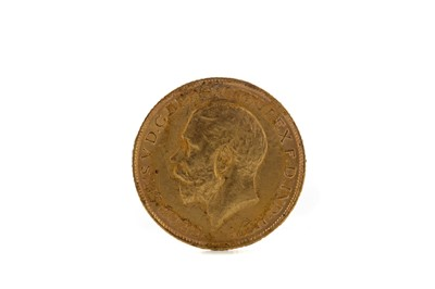 Lot 34 - A KING GEORGE V GOLD SOVEREIGN DATED 1915