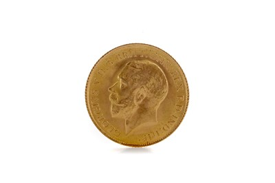 Lot 40 - A KING GEORGE V HALF SOVEREIGN DATED 1914
