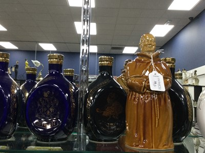 Lot 38 - A LOT OF FIVE DIMPLE DECANTERS, ALONG WITH OTHER WHISKY COLLECTABLES