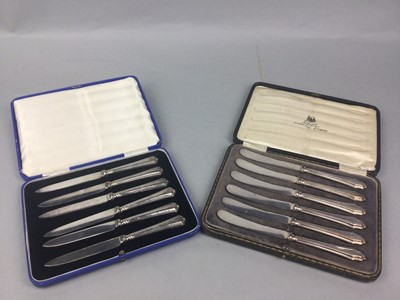 Lot 6 - A LOT OF TWO CASED SETS OF KNIVES