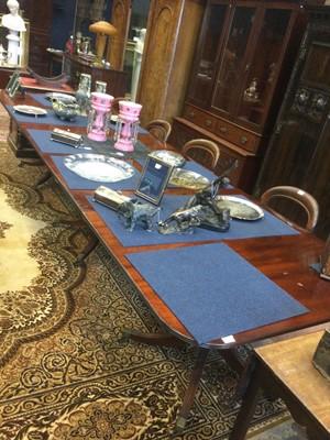 Lot 1675 - A WILLIAM TILLMAN TRIPLE PILLAR EXTENDING DINING TABLE