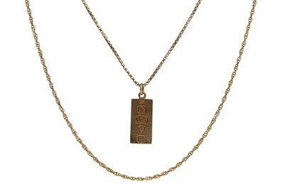 Lot 1372 - THREE GOLD CHAINS