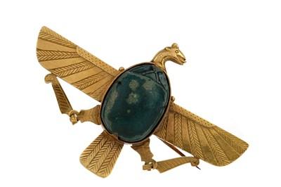 Lot 1363 - AN EGYPTIAN REVIVAL BROOCH