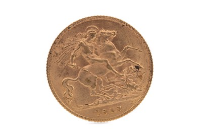 Lot 14 - A GEORGE V GOLD HALF SOVEREIGN DATED 1913