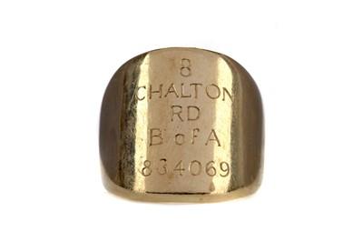 Lot 1437 - A GENTLEMAN'S GOLD RING