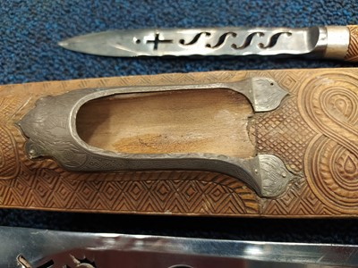 Lot 1708 - A FINELY CARVED LATE 19TH CENTURY BOXWOOD DIRK