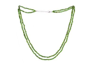Lot 867 - A DOUBLE ROW DIOPSIDE NECKLACE