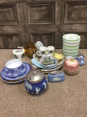 Lot 35 - A LOT OF TWO WEDGWOOD JASPERWARE TABLE LIGHTS AND OTHER VARIOUS CERAMICS AND GLASS