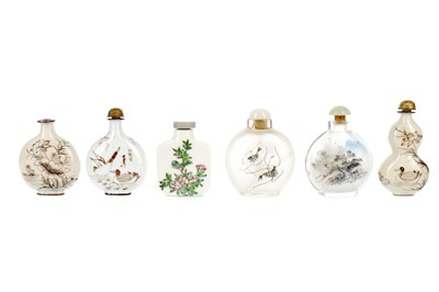 Lot 662 - A LOT OF SIX CHINESE SNUFF BOTTLES