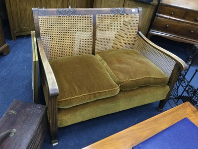Lot 20 - AN EARLY 20TH CENTURY OAK FRAMED BERGERE SUITE
