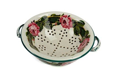 Lot 1087 - A WEMYSS WARE SPONGE DISH AND LINER