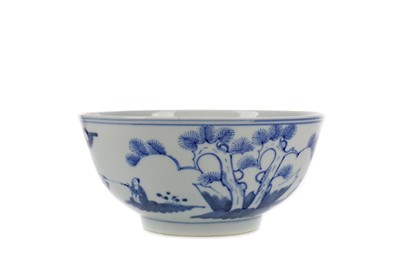 Lot 679 - A CHINESE BLUE AND WHITE CIRCULAR BOWL