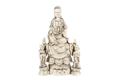 Lot 682 - A 20TH CENTURY CHINESE BLANC DE CHINE FIGURE OF GUANYIN