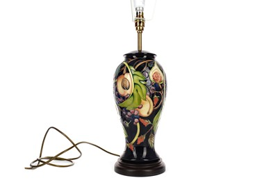 Lot 1045 - A CONTEMPORARY MOORCROFT TABLE LAMP