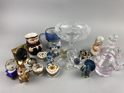 Lot 73 - A LOT OF LIMOGES, SWAROVSKI AND OTHER CERAMICS AND GLASS