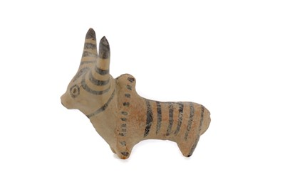 Lot 646 - AN INDUS VALLEY ANIMAL MODEL OF A BULL