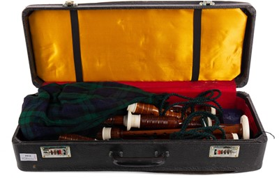 Lot 1144 - A SET OF 20TH CENTURY BAGPIPES